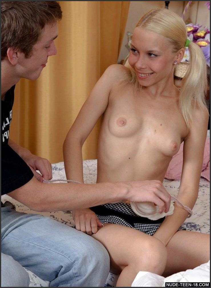 hot teen fingering herself